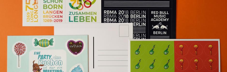 Postkartensticker mit extra-starkem Träger und Freiformen